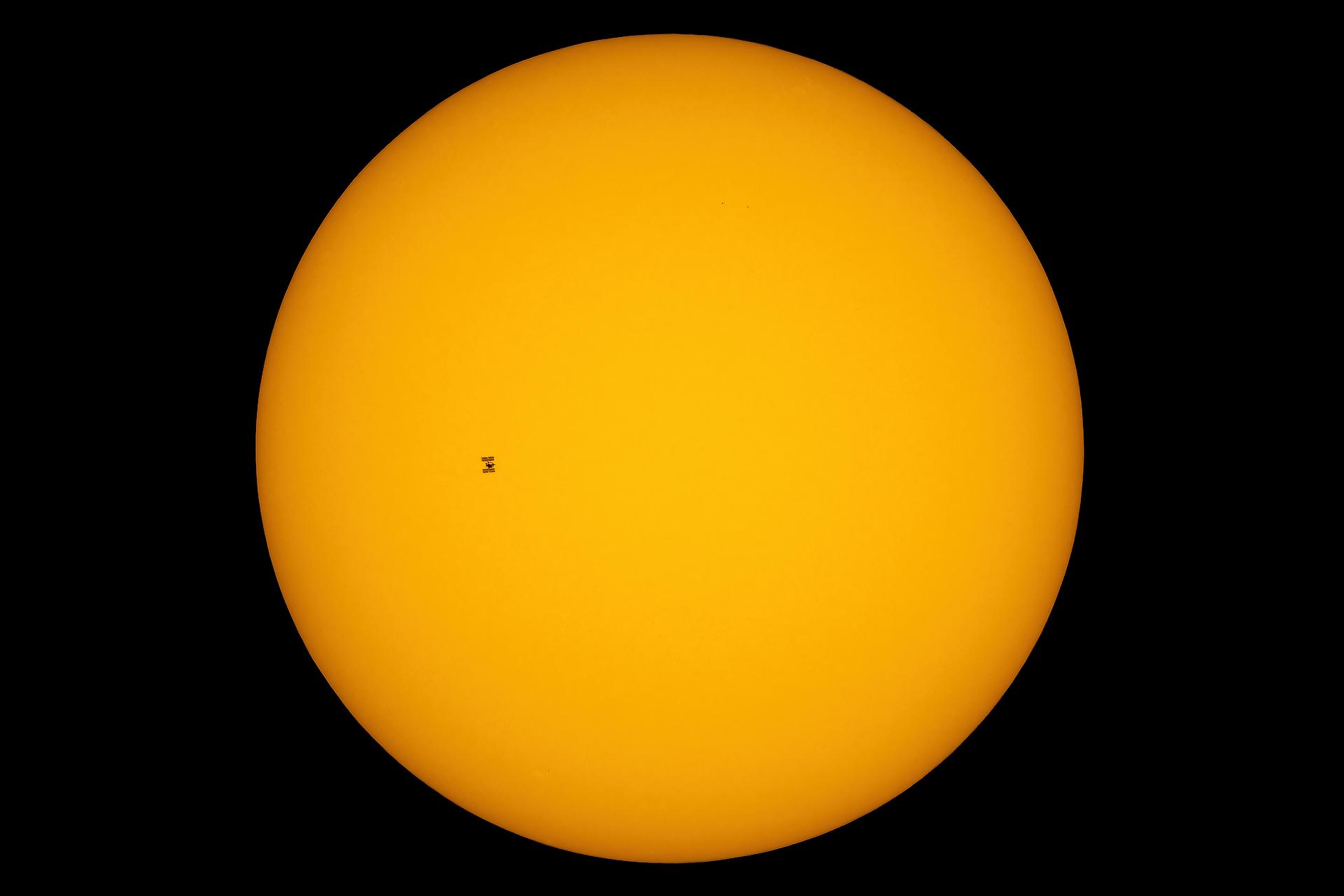12sie20_ISS_Sun_G1144_0.png